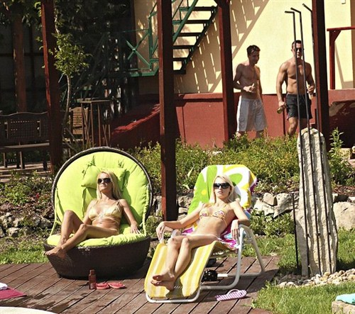 Erica Fontes, Valentina Valenti - Wonderful view - EuroSexParties/RealityKings - (2012/FullHD/1080p/2.7 Gb)
